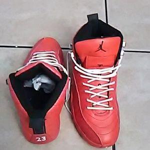 Red Jordon 12